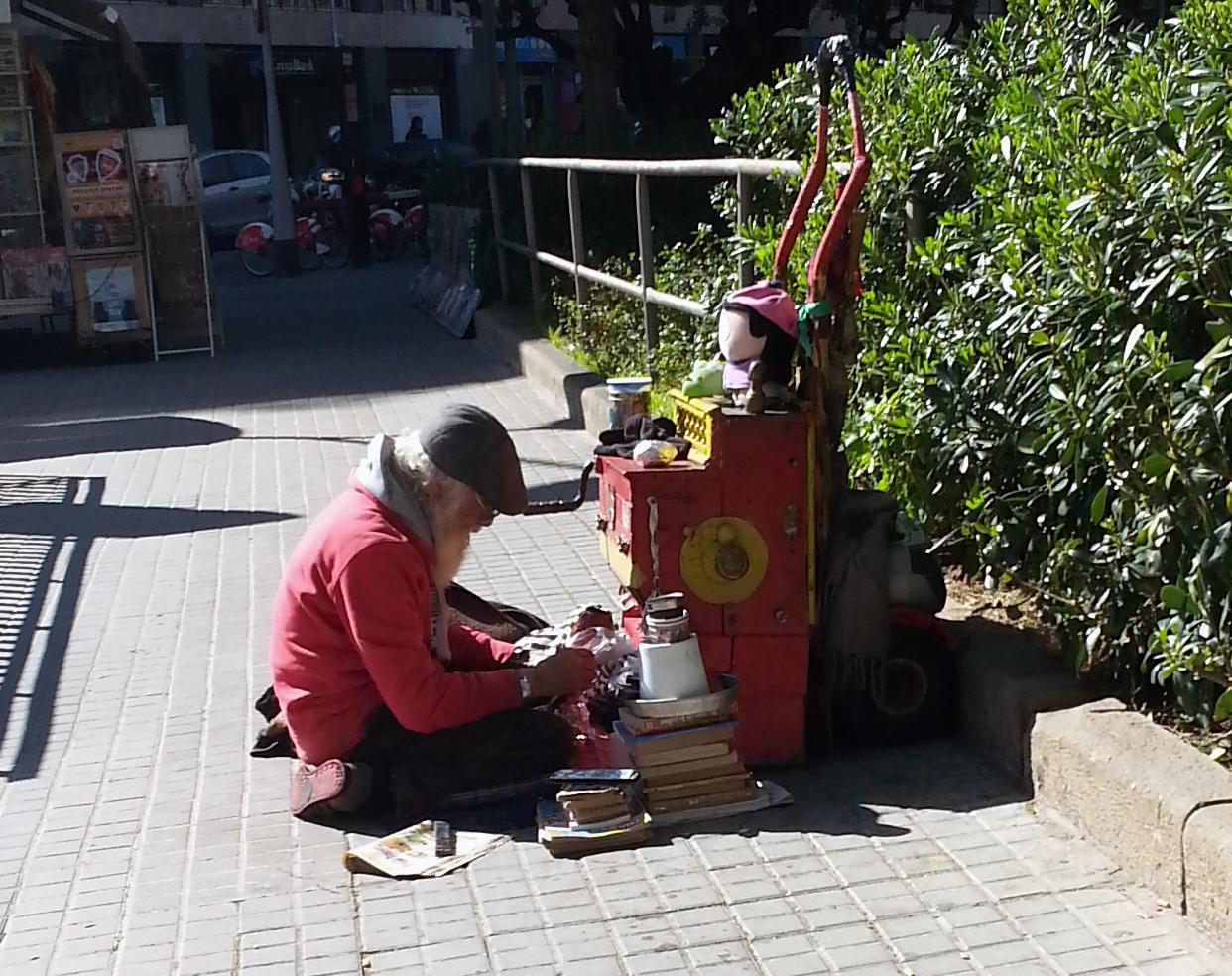El músico de la calle Roselló con Rocafort
